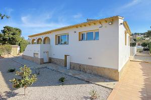 Villa de 5 dormitorios en venta en Javea