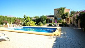 4 bedroom Villa for sale in Denia