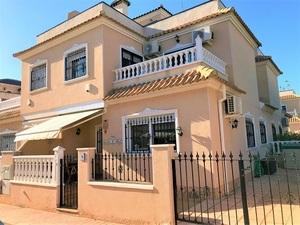 Geschakelde woning 3 slaapkamers te koop in Cabo Roig