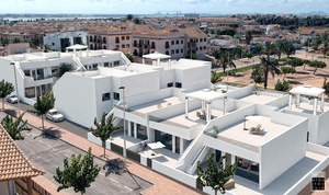 Stunning 3 Bedroom, 2 bath Villa with Solarium
