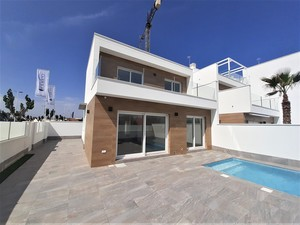 Last one !!  Key Ready 3 bed 2 bath villa with private pool