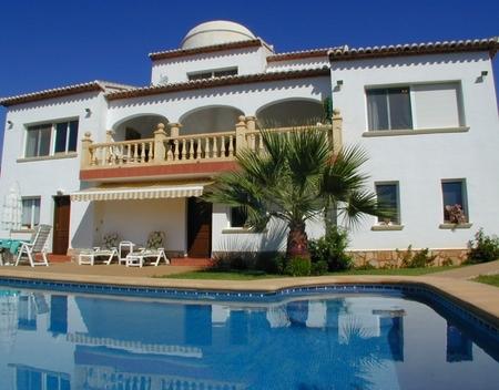 Magnificent villa for sale near the golf course of Javea