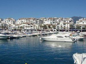 2 bedroom Apartment for sale in Puerto Banus
