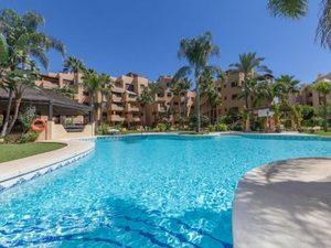 2 bedroom Penthouse for sale in Estepona