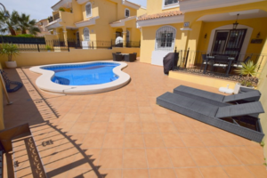 REDUCED! Beautiful 3 bedroom Villa with private pool in Los Dolses.