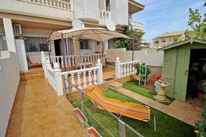 Well located 2 bedroom townhouse in Villamartin.