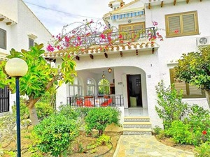 Spacious 3 bedroom house in Cabo Roig
