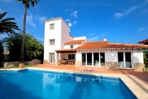 5 bedroom Villa for sale in Denia