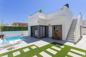 2-3 Bedroom Luxury Villa in Roda Golf