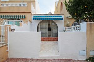 Bungalow de 1 dormitorio se vende en Torrevieja