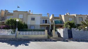 2 bedroom Villa for sale in Torrevieja