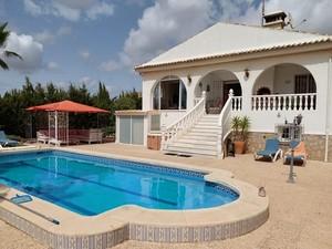 5 bedroom Finca for sale in Los Montesinos