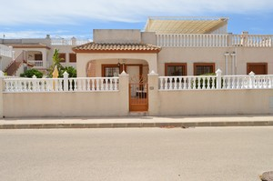 2 bedroom Villa for sale in Daya Vieja