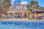 6 bedroom Villa for sale in Javea €570,000