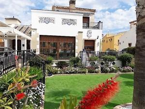 6 bedroom Villa se vende en Algorfa