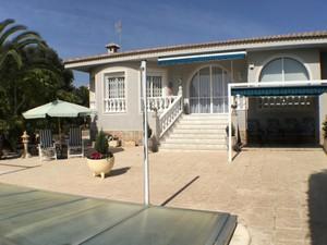 3 bedroom Villa for sale in Quesada