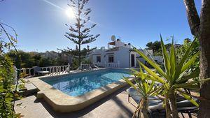 5 bedroom Villa for sale in Los Balcones