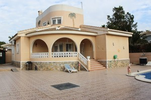 4 bedroom Villa te koop in Quesada
