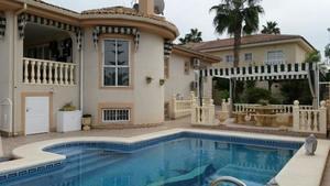 4 bedroom Villa for sale in Benijofar