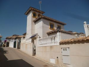 3 bedroom Villa for sale in Playa Flamenca