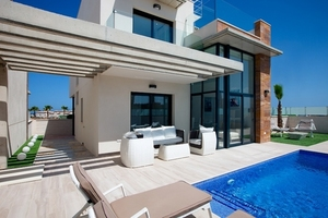3 bedroom Villa te koop in Cabo Roig