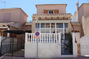4 bedroom Townhouse for sale in Los Altos