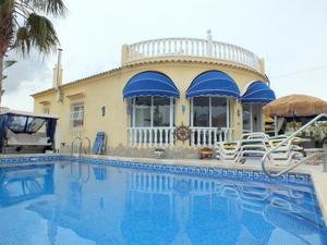 4 sovrum Villa till salu i Villamartin